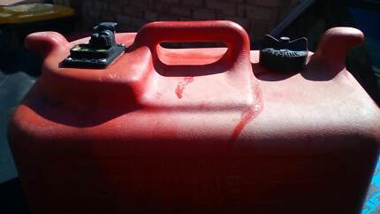 Boat fuel container