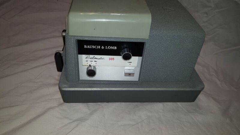 Bausch + Lomb Balomatic 305 Slide Projector - WORKS