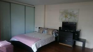 Queen size bed for sale Kings Cross Inner Sydney Preview