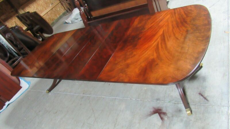 Kindel Dining Room Set Table Mahogany Flame 4 Leaves