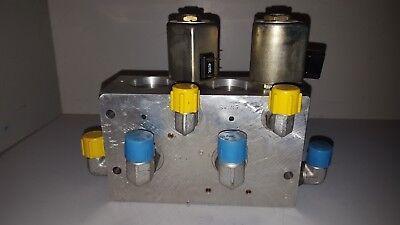 Modular Controls Hydraulic Control Valve W Solenoids C675139 P 58-3 675145