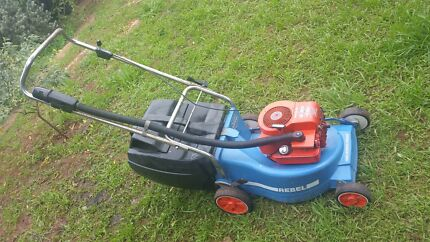 4 stroke mower Elizabeth Playford Area Preview