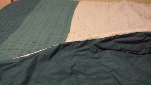 King Size Flannel Sheet Set and Comforter Plus Shams Kawartha Lakes Peterborough Area image 2