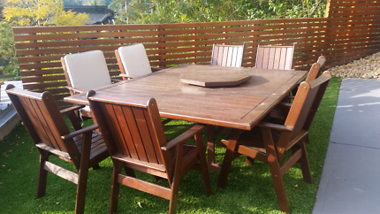 Solid outdoor setting with lazy susan