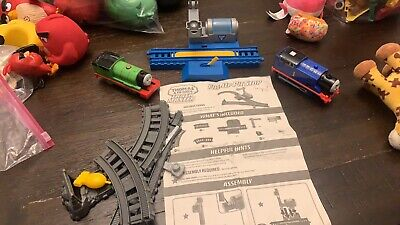 Trackmaster Thomas & Friends Real Steam Thomas & Percy Fill-Up Pit Stop Lot
