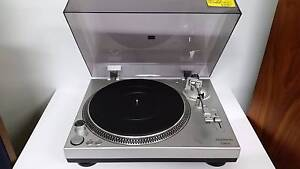 STANTON STR8-30 TURNTABLE IN V.G.C. WITH WARRANTY Coburg North Moreland Area Preview