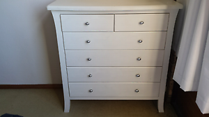 Beautiful chest of drawers and bedside table Cammeray North Sydney Area Preview