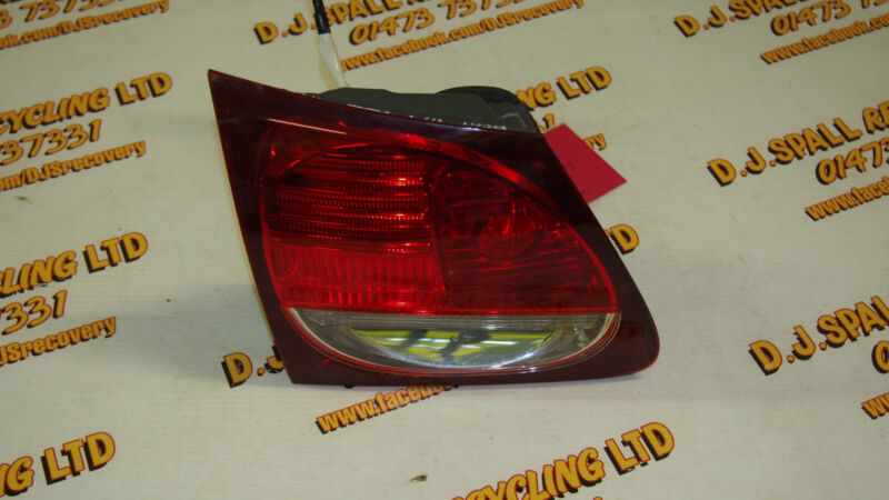 Lexus GS300 Passenger Rear Boot Light