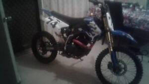 2009 Elstar 250cc Dirt Bike