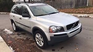 Volvo XC90 2.5L Turbo AWD SUV. 7 seater w sunroof. Fully equip