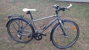 Giant Cross City 2 Equipped Bike (Small) Kearneys Spring Toowoomba City Preview