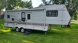 Jayco Fifth wheel with slide out