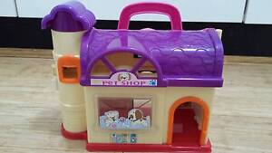 Kids' Toy; Pet Shop Play House New Lambton Heights Newcastle Area Preview