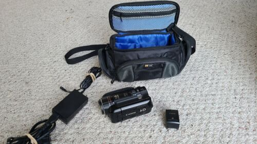 Canon VIXIA HF10 Digital Camcorder with 16GB SD card and Case Logic Case