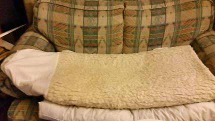 $15 Queen fitted wool mattress protector
