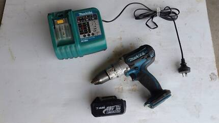 MAKITA, 18 VOLT, CORDLESS DRILL, LITHIUM-ION, CHARGER