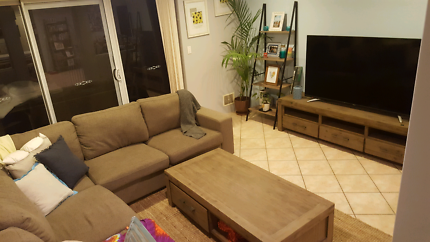 Beautiful room available March 27th 2018