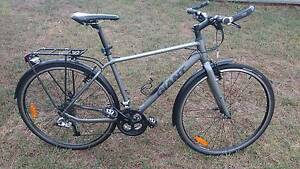 Giant Cross City 2 Equipped Bike (Medium) Kearneys Spring Toowoomba City Preview