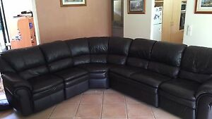 Dark brown leather couch Nerang Gold Coast West Preview