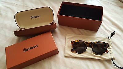 Illesteva Classic Leonard Sunglasses - New with Box and Case $260