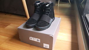 Yeezy 750 Triple Black US10 VNDS 100% Authentic Melbourne CBD Melbourne City Preview