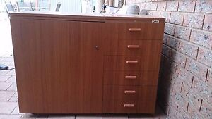 Horn Sewing Machine cabinet Gilmore Tuggeranong Preview