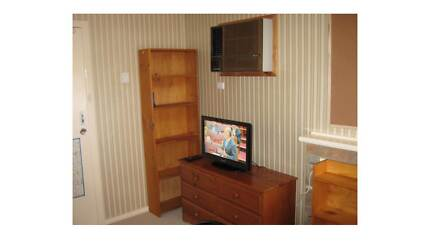 LARGE ROOM - BURWOOD - Walk to Deakin Burwood Whitehorse Area Preview