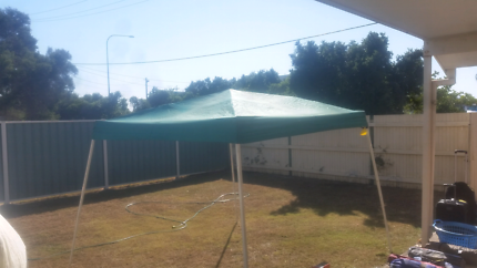 Used quick fold out pop up shade