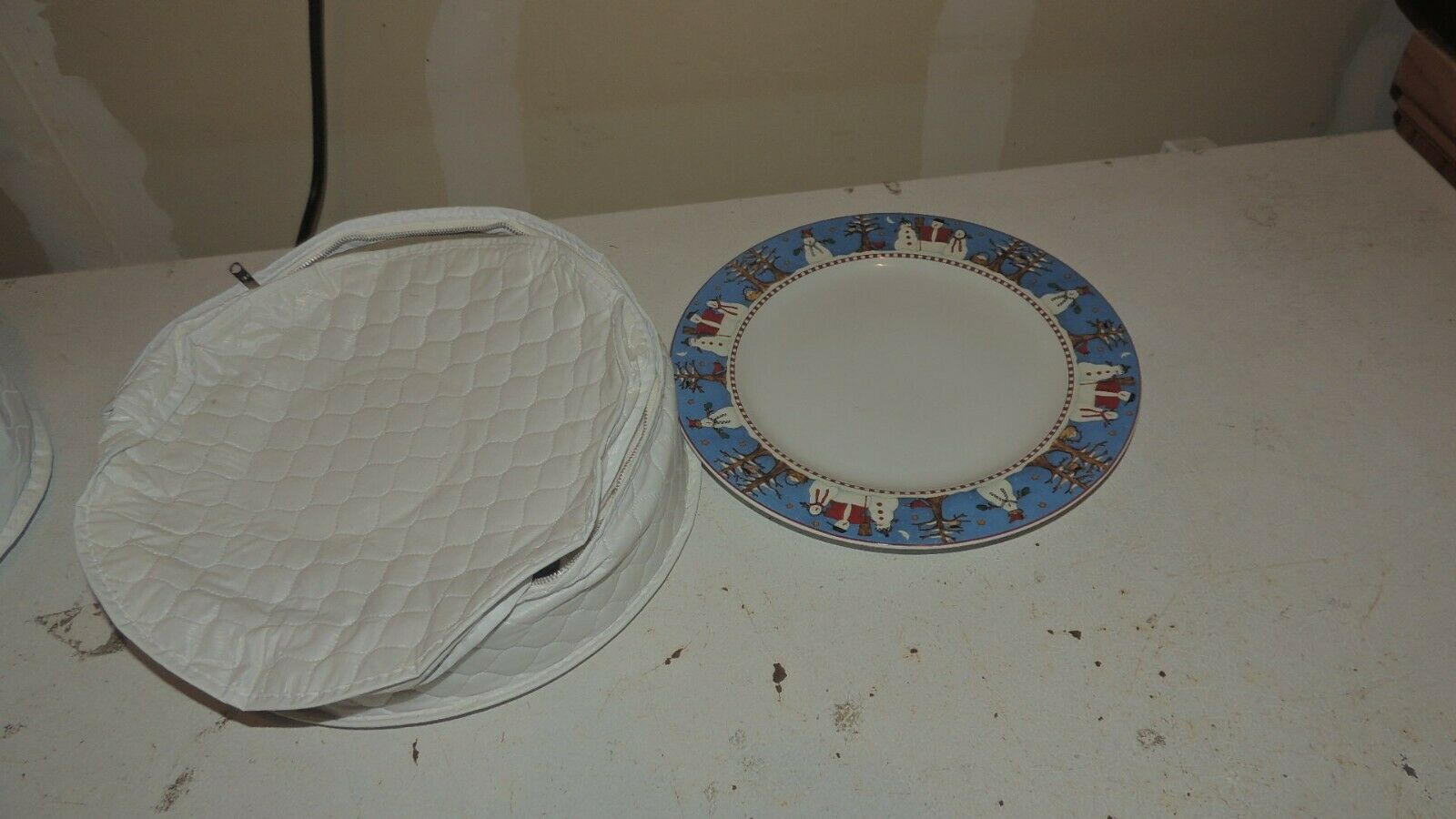 Vintage ONEIDA Sakura Debbie Mumm Holiday SNOWMAN 10.75 Dinner Plates Set Of 4 - $36.00