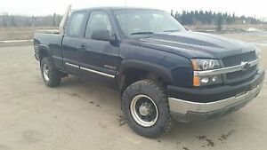 For sale Chevy 2500 HD 4x4 extended cab