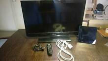 Toshiba 32inch LCD TV With logitech remote and flat panel Antenna Wellard Kwinana Area Preview