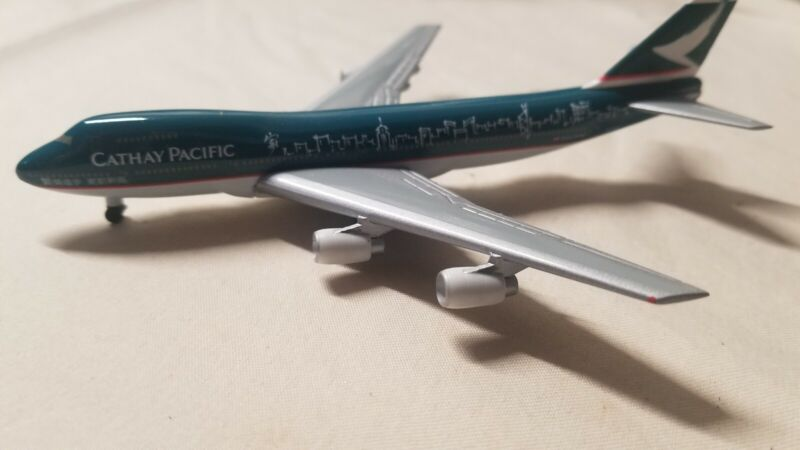B747-200 Cathay Pacific Spirit of Hong Kong 1/500 diecast Herpa wings