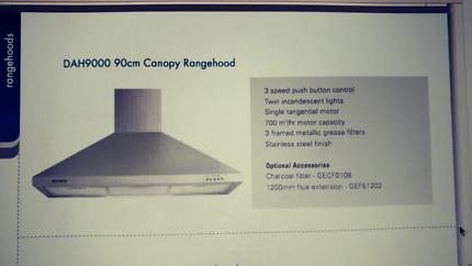 900mm rangehood & flue kit. Stainless steel. Showroom model