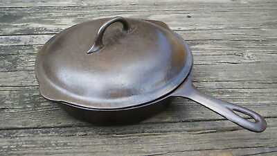 (Chicago Hardware Foundry Diamond  8 Skillet with Matching Lid)