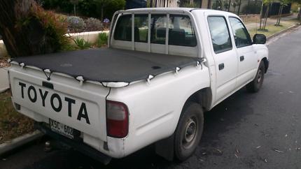 05  TOYOTA  HI LUX  DUAL CAB  AUTO