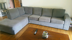 4 seater lounge with chaise Flagstaff Hill Morphett Vale Area Preview