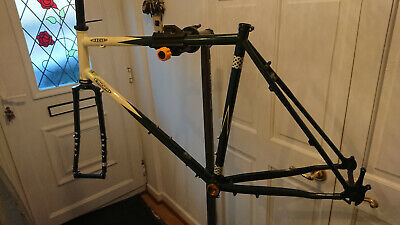 Thorn Mercury 580L frame and Suly disc forks