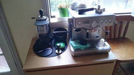 Mazzer Mini + Breville BES920 home coffee station.
