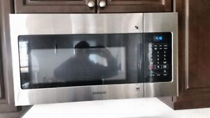 Samsung Over the range Microwave 1.6 cu. ft.
