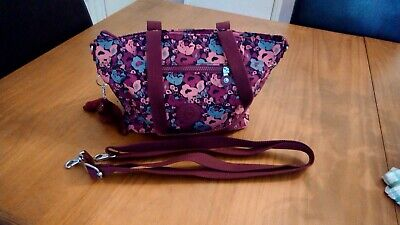 New without tags Kipling handbag, with crossbody strap included.