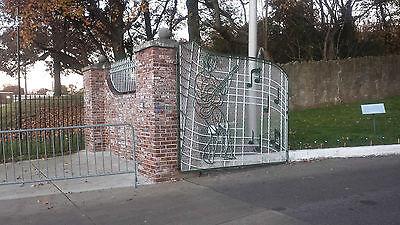 Elvis Presley   FRIDGE MAGNET 297--The Music gates