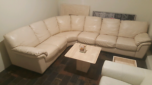 Beautiful NATUZZI Italian leather, corner lounge/couch RRP $5900 Craigie Joondalup Area Preview