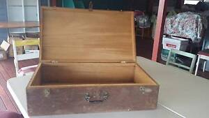 WOODEN PORT / BOX OLD SIZE OF SUITCASE Redcliffe Redcliffe Area Preview