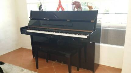 Piano Upright Daewoo Royale Springwood Logan Area Preview