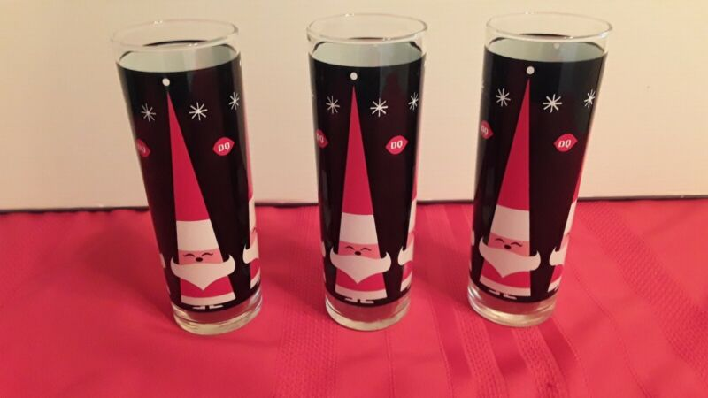 Vintage DAIRY QUEEN Red SANTA CLAUS Tumbler 3 GLASSES 11 OZ Black CHRISTMAS