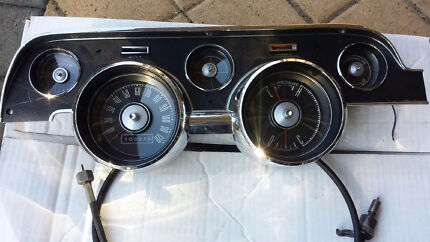 Mustang 67/68 instrument cluster with speedo cable