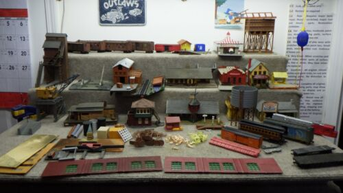 HO Lot of Buildings and Rolling Stock