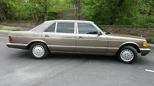 One-Family-Owned-420SEL-Rare-Green-Interior-Excellent-Condition-Low-Miles-W126