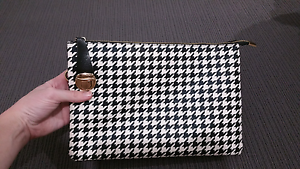 Houndstooth Clutch Ripley Ipswich City Preview