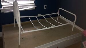 Metal Toddler Bed Fram